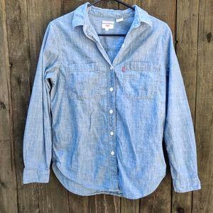 🌹 3/$40 Levi's Boyfriend Fit Denim Shirt